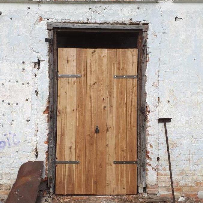 Установлена входная дверь